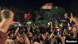 جمعہ کو صدر محمد مرسی کے مخالفین نے قاہرہ میں صدارتی محل کی حفاظتی باڑ توڑ دی تھی