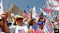 El Congreso debate en Washington si aprueba una reforma migratoria que favorezca a unos 11 millones de indocumentados.