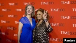 Time Magazine Managing Editor Nancy Gibbs, left, and designer Diane von Furstenberg arrive for the TIME 100 Gala in New York, April 21, 2015.