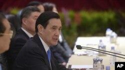 台灣總統馬英九在與中國國家主席習近平在新加坡香格里拉飯店握手相見後發表講話