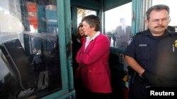 Esta no es la primera vez que Janet Napolitano, secretaria de Seguridad Nacional de EE.UU., visita la frontera con México. En 2009 también se reunió con agentes fronterizos de ambos países.