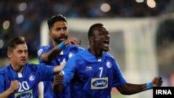 «مامه تیام» سه گل برای استقلال در این بازی زد.