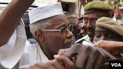 Mantan Presiden Chad Hissene Habre yang tinggal di Senegal dituduh bertanggungjawab atas kejahatan perang (foto: dok).