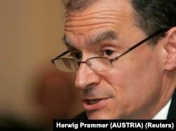 Diplomatska zvezda i veoma ozbiljna osoba: Daniel Frid o Kristoferu Hilu