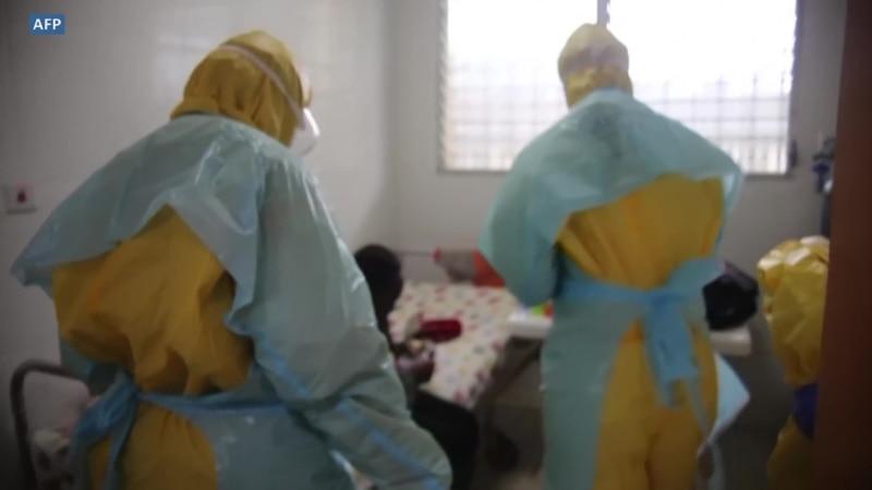 Nouvelle vague de COVID-19 au Liberia : les hôpitaux se préparent au pire