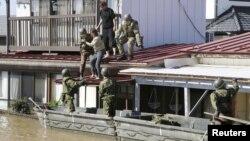 د جاپان امنیتي ځواکونه سیمه ییز خلک ژغوري