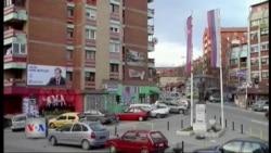Djegie makinash në veri të Mitrovicës