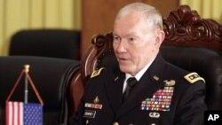 Ketua Gabungan Kepala Staf AS, Jenderal Martin Dempsey tidak menutup kemungkinan pengiriman pasukan darat AS ke Irak (foto: dok).