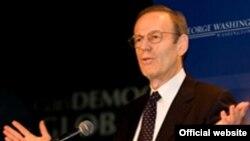 Президент Национального Фонда Демократии Карл Гершман
