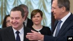 Šef srpske diplomatije Ivica Dačić i njegov ruski kolega Sergej Lavrov u Moksvi, 1. aprila 2016. (AP Photo/Ivan Sekretarev)
