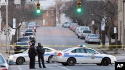지난 2011년 1월 총격 사건이 발생한 볼티모어 사건 현장에 경찰이 출동했다. (자료사진)