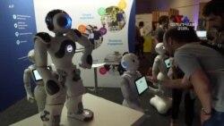 ԱՌԱՆՑ ՄԵԿՆԱԲԱՆՈՒԹՅԱՆ՝ Արհեստական բանականությամբ ռոբոտների ցուցադրում Բեռլինի տեխնոլոգիական համաժողովում