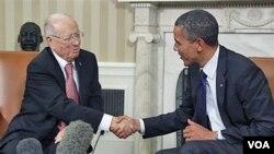 Presiden Barack Obama (kanan) menerima kunjungan PM Tunisia Beji Caid Essebsi di Gedung Putih (7/10).