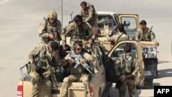 Lực lượng đặc biệt Afghanistan tiến hành cuộc phản công để chiếm lại thành phố Kunduz từ tay phe nổi dậy Taliban, ngày 29/9/2015.