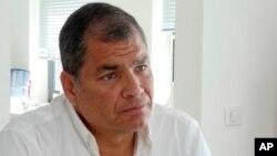 El expresidente de Ecuador Rafael Correa durante una entrevista con AP en Bruselas, Bélgica, el 5 de julio de 2018.