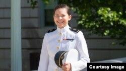 Miahnna Nguyễn trong ngày tốt nghiệp.
