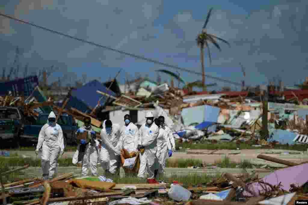 Baham adaları - Qasırğadan sonra Abako adasında cəsədlər axtarılır