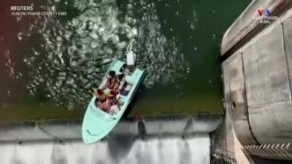 Թեքսասի փրկարարները օգնություն են ցուցաբերել ջրամբարի եզրին հայտնված նավակի ուղևորներին
