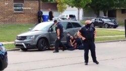 威斯康辛警方打伤黑人男子后 示威者再次呼吁警察改革