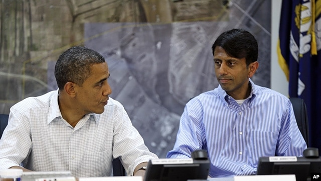 President Barack Obama (l) and Louisiana  Governor Bobby Jindal at Saint John Parish Emergency Operations Center (EOC) in LaPlace, Louisiana, Sept. 3, 2012.