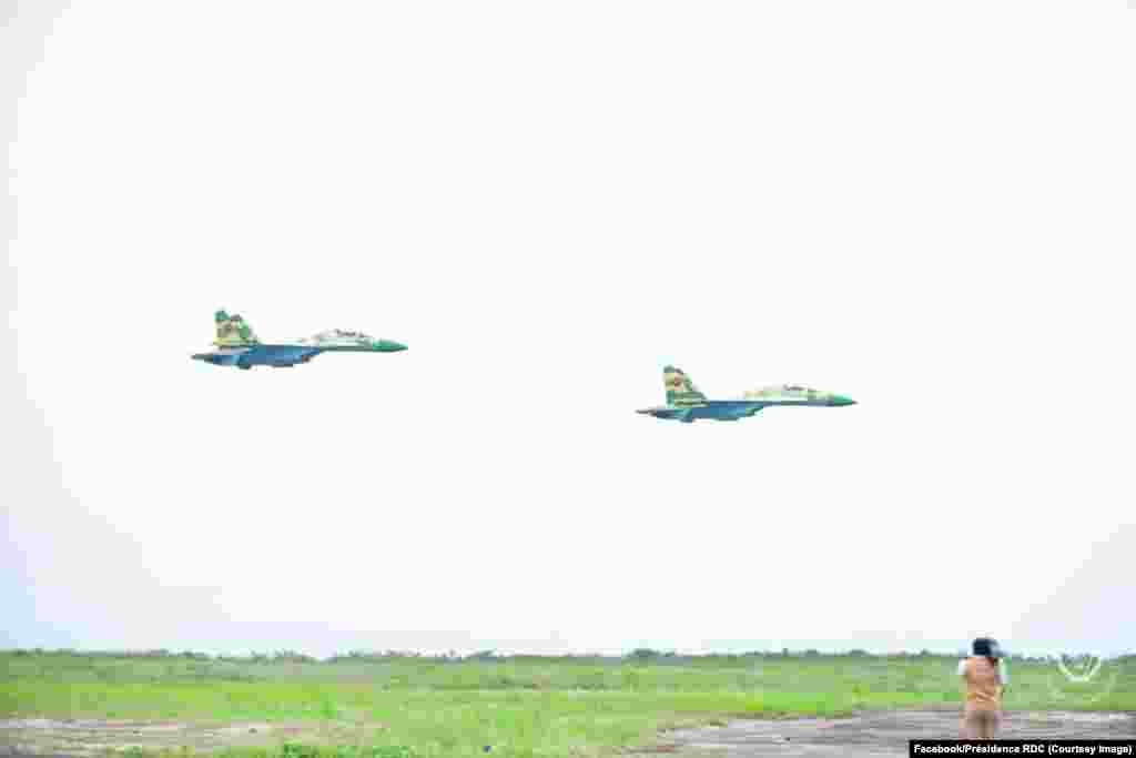 Mpepo mibale Soukhoï 30 K ya mampinga ma Angola (FAA) na mapata ma Kinshasa, RDC, 20 novembre 2020. (Présidence RDC)