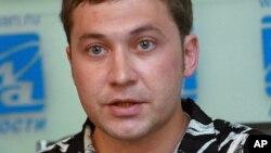 Airat Vakhitov phát biểu tại một cuộc họp báo ở Moscow, 28/6/2005.
