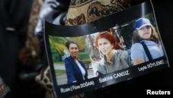 Hình của ba nhà hoạt động người Kurd bị bắn chết tại Paris.