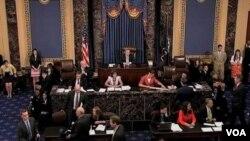 Kongres AS akan mempertahankan pemotongan dana pensiun 20 dolar per minggu (foto: dok).