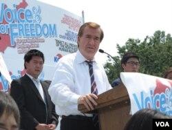 에드 로이스 미국 연방 하원의원이 워싱턴에서 열린 북한 인권 행사에서 연설했다.
