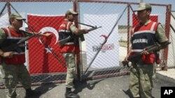 Τουρκικά αεροσκάφη έπληξαν στόχους του ΠΚΚ στο βόρειο Ιράκ