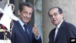 لیبیا کے باغی راہنماؤں کی فرانسیسی صدر سرکوزی سے ملاقات