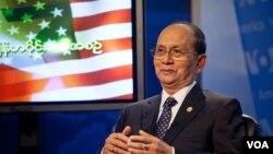 Tổng thống Miến Điện Thien Sein trong buổi đối thoại tại đài VOA, 19/5/13