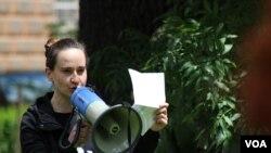 Emina Bošnjak: Uskraćena su nam prava na slobodno okupljanje
