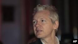 WikiLeaks founder Julian Assange after his release on bail, 16 Dec 2010
