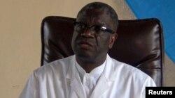Denis Mukwege, Prix Nobel ya Kimya 2018, monganga oyo abongisa basi babebisama na kozwama na makasi wuto mibu mingi, na Bukavu, Sud-Kivu, 5 octobre2018.
