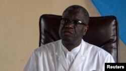 Dr. Denis Mukwege, Nobel ya Kimya ya 2018, na lopitalo ya Mpazi epayi wapi asungaka basi babebisama na kozwama na makasi, na Bukavu, Sud-Kivu 5, 2018.