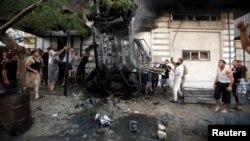 7月19日加沙一輛汽車被炸毀
