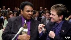 Мохамед Али и Майкл Фокс на сборе средств в Фонд исследования болезни Паркинсона