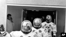 Posada Apolo 13 na putu ka lansirnoj rampi u Svemirskom centru Kenedi u Kejp Kenediju na Floridi, u subotu 11. aprila 1970.