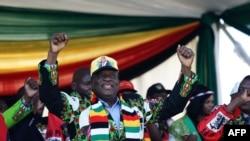 shugaban Zimbabwe, Emmerson Mnangagwa, wa wajen gangamin yakin neman zabe