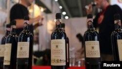 Seorang kolektor anggur berpengaruh di California yang lahir di Indonesia didakwa melakukan penipuan karena memproduksi anggur tua palsu di rumahnya. (Foto: Ilustrasi)