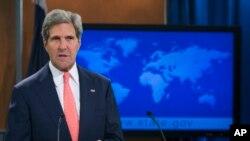 Menteri Luar Negeri AS John Kerry menyampaikan pernyataannya tentang Suriah, Senin (26/8).