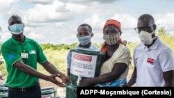 Distribuição de material de prevenção da Covid-19 em Nhamatanda. Foto da ADPP-Moçambique.