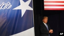 El presidente Donald Trump y su esposa Melania serán anfitriones de un picnic para familiares de militares en la Casa Blanca.