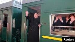 شمالی کوریا کے لیڈر کم جونگ اُن ٹرین پر ویت نام پہنچے