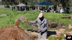 Groblje za žrtve koronavirusa u Kejptaunu, u Južnoafričkoj Republici
