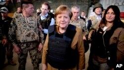 德國總理默克爾對阿富汗進行。