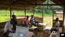 Frelimo condenada por uso de viaturas oficiais em campanhas