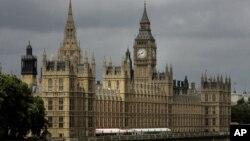 Gedung parlemen Inggris di tepi sungai Thames, London (Foto: dok).