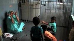 Pakistan həbsxanalarında yaşayan uşaqlar